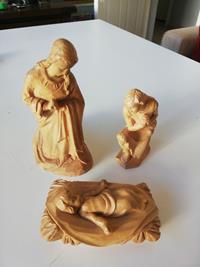 isanın doğuşu ahşap oyma heykeller