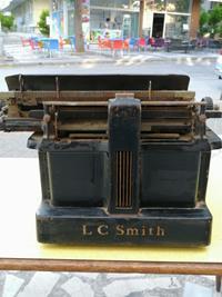 Antika lc smith daktilo resmi