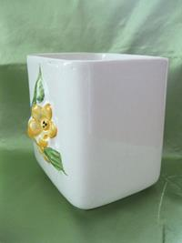 Retro kabartmalı el boyamalı damgalı vazo/çok amaçlı obje resmi