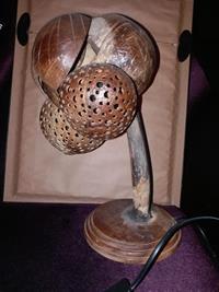 Hindistan cevizi kabuğundan el yapımı abajur  resmi