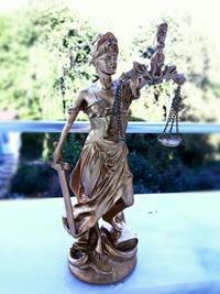 #tc #turkiyem #adalet #sembolü #heykel #savci #hakim #avukat #ofis #bahce #villa #ķőśk #2021 #gold