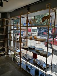 Toplam 4 adet dekoratif aksesuar gold metal raf sistemi resmi