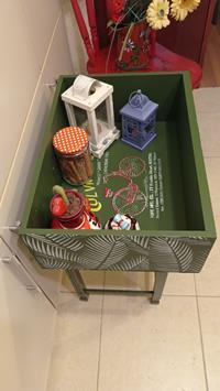 Çekmeceden tasarım yapraklı vintage  sehpa ciceklik resmi