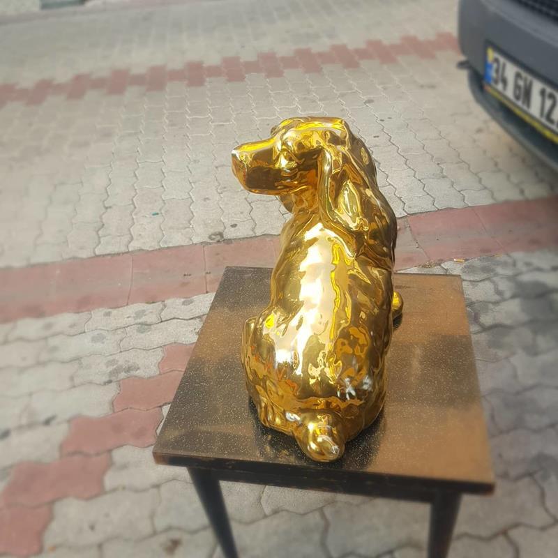 Porselen varaklı köpek resmi