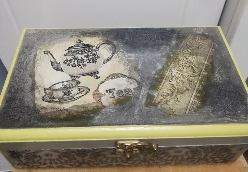 Çay ve baharat kutusu resmi