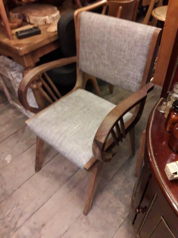 ahşap kumaşlı kollu tekli koltuk ceviz resmi