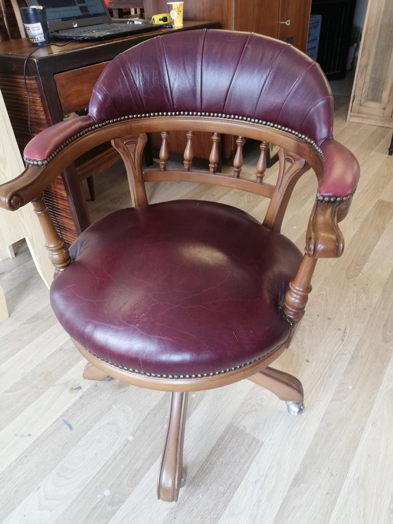 Çalışma sandalyesi resmi