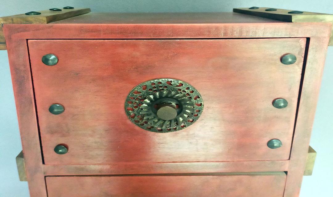 Steampunk Tarzında Özel Yapım Keson Etajer Komodin resmi