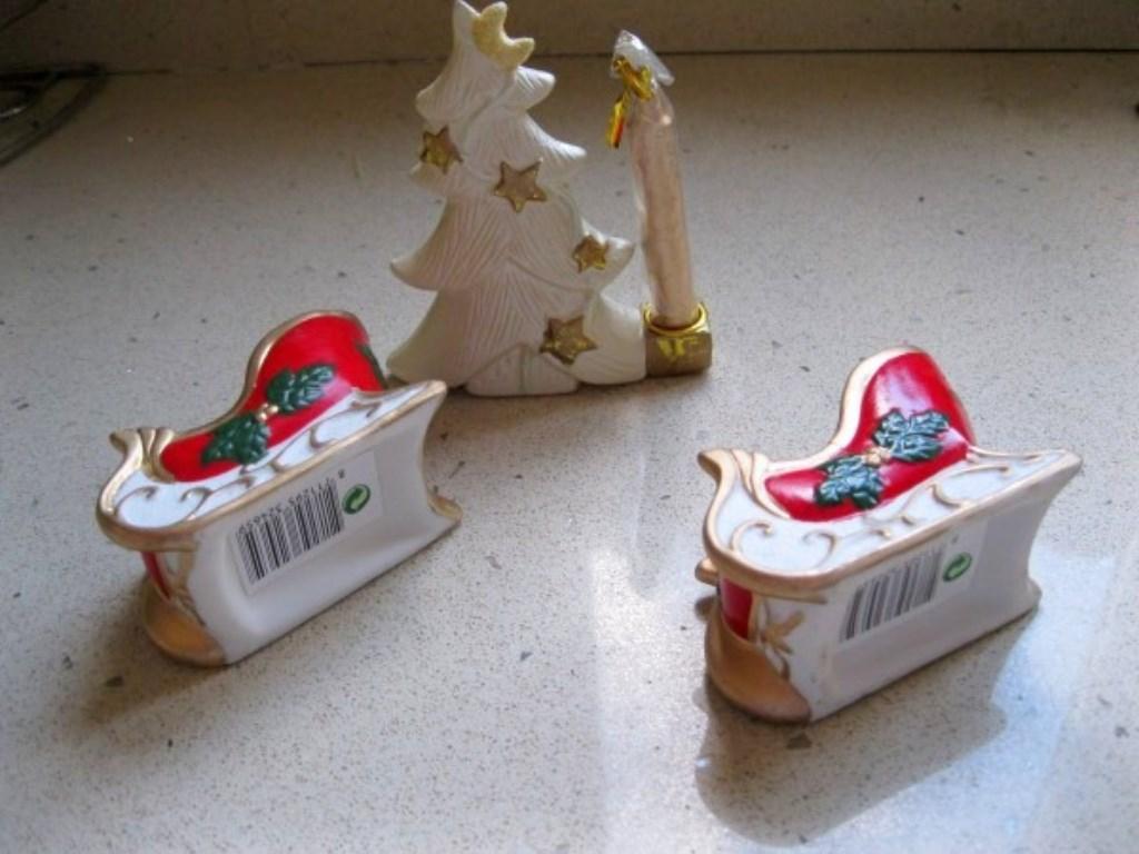 Yılbaşı/Noel Temalı Hiç Kullanılmamış 3'lü Biblolu Mumluk Seti resmi