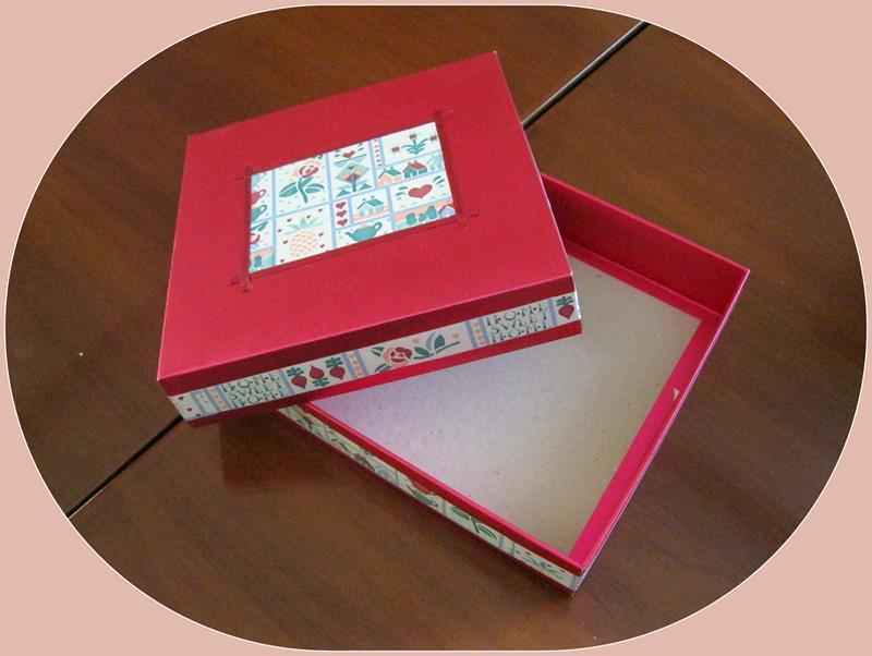 El emeği süslü çok amaçlı kutu resmi