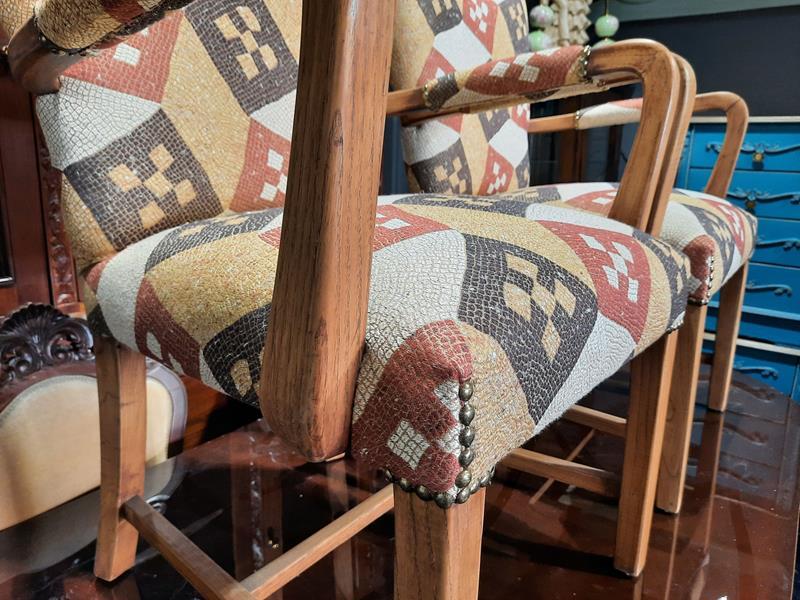 Mozaik kaliteli kumaş döşeme 2 adet meşe 60 lar  sandalye  berjer  resmi