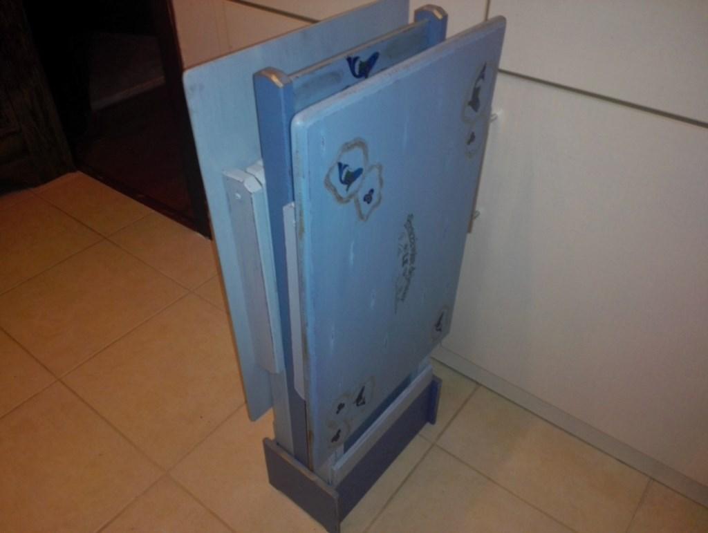 İkili Üç Mavi Tonda Tasarım Çantalı Masif Sehpa Takımı resmi