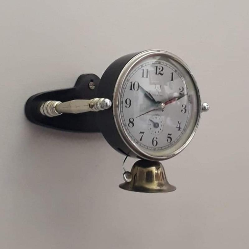 Eskilerden nadir formda ⏰ hem masa üzeri hem duvara asılabilir çalışır vaziyette iyi kondüsyonda kurmalı saat. resmi