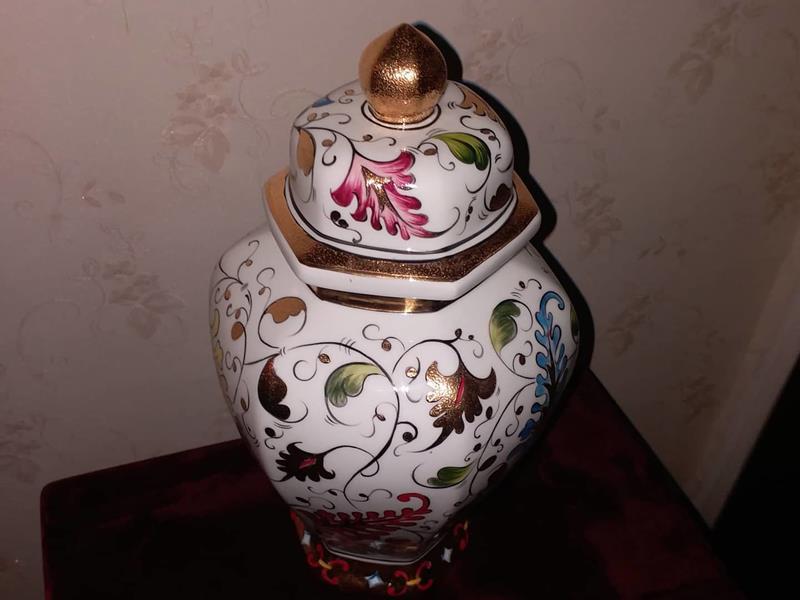 Çok eski koleksiyonluk vazo kusursuz resmi