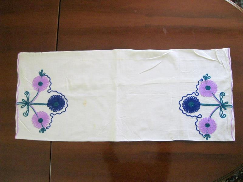 Sandıktan zincir nakışlı, organik kumaş kırlent/yastık kılıfı resmi