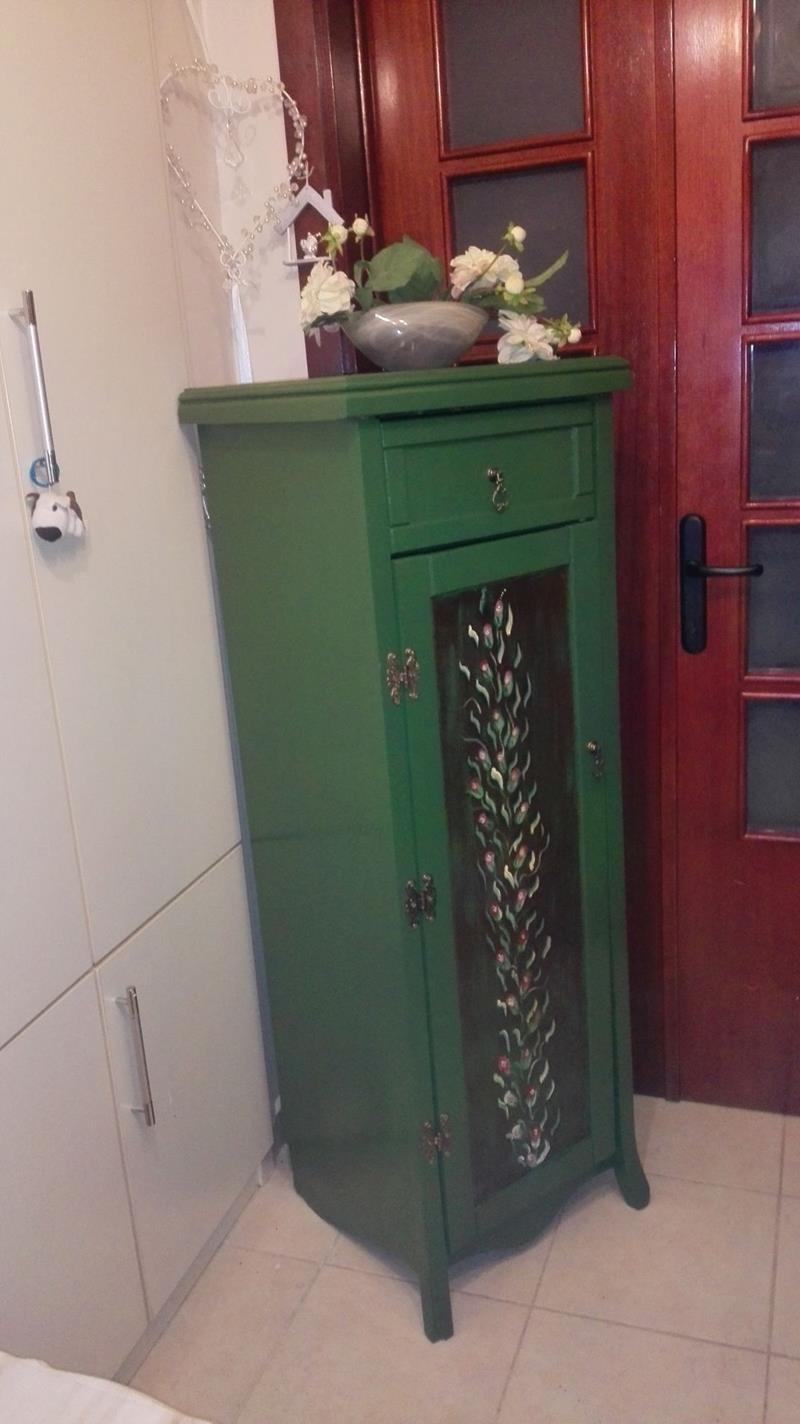 Antika leaf green yuksek çamaşırlık/şifonyer resmi
