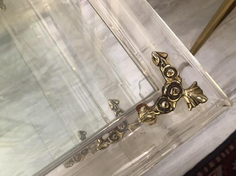 İtalyan pleksi/cam zigon sehpa takımı resmi