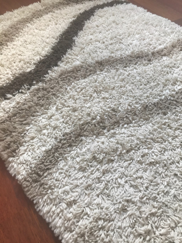 Shaggy halı mı yoksa dokuma halı mı daha kullanışlı