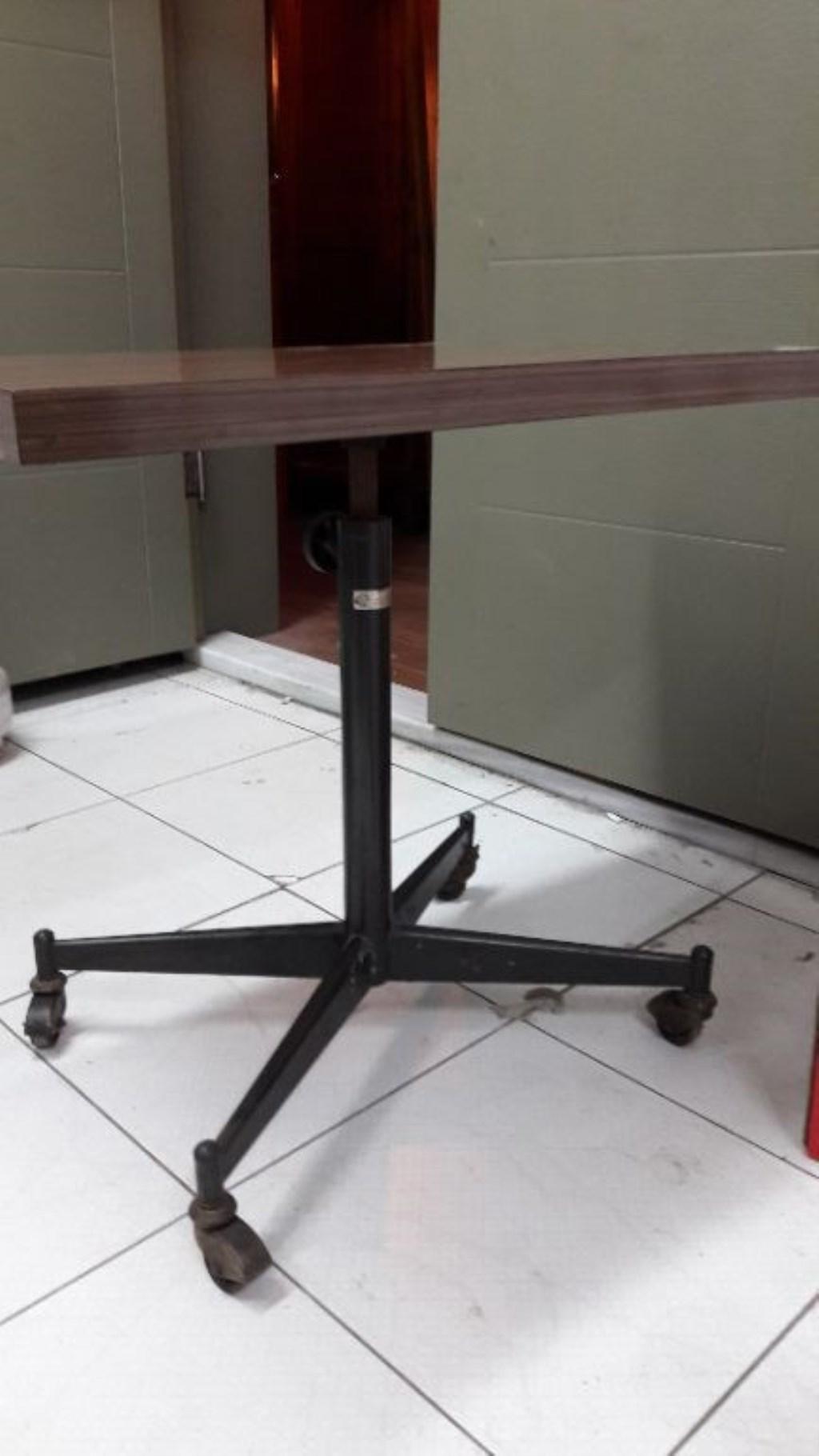 Eskilerden formika servis masası resmi