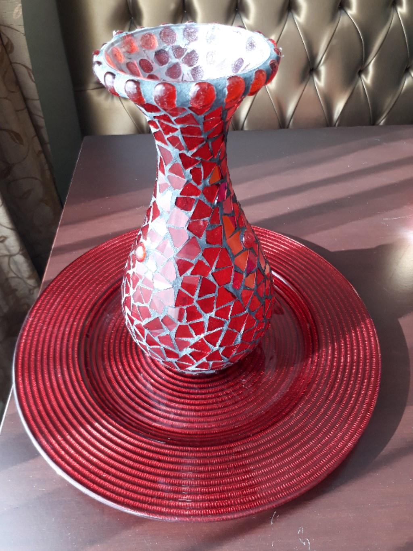 Kervan kırmızı mozaik cam vazo resmi