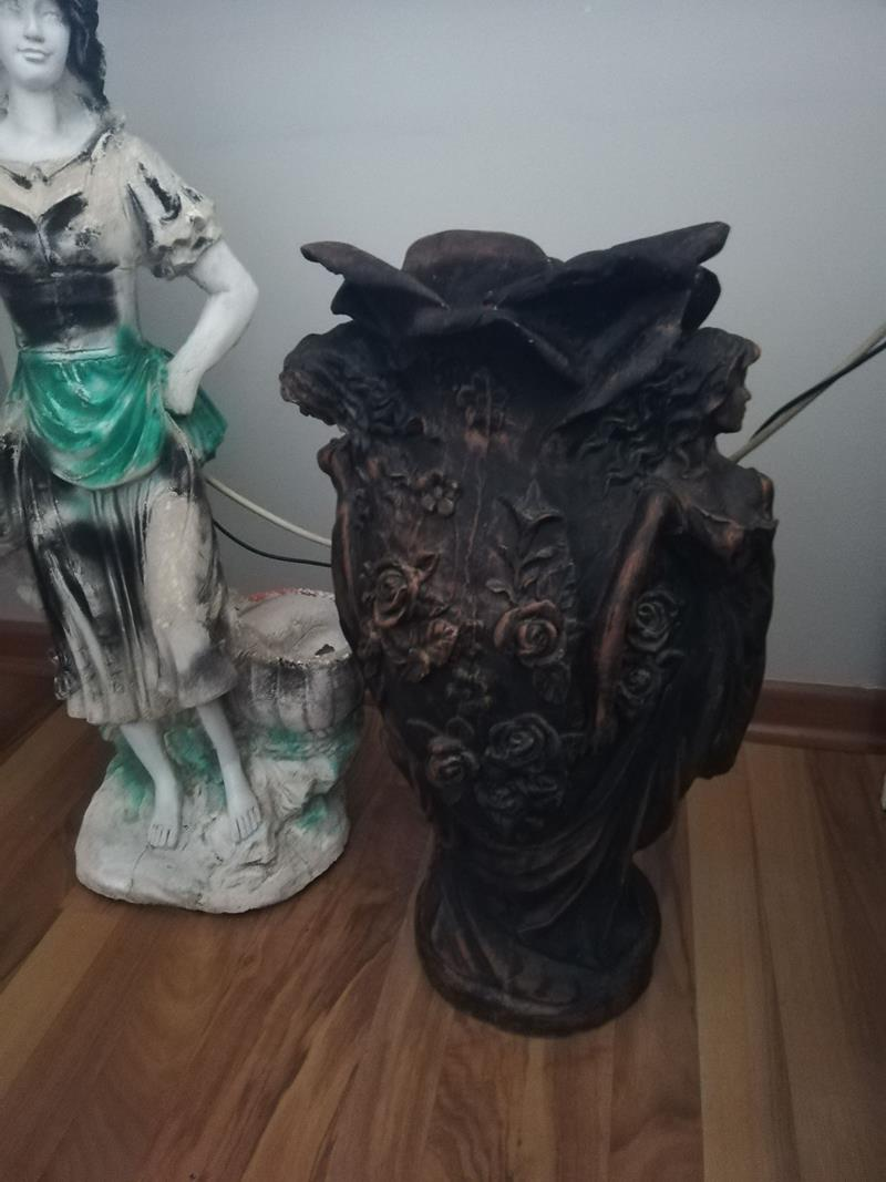 2 adet alçı  bahçe heykeli resmi