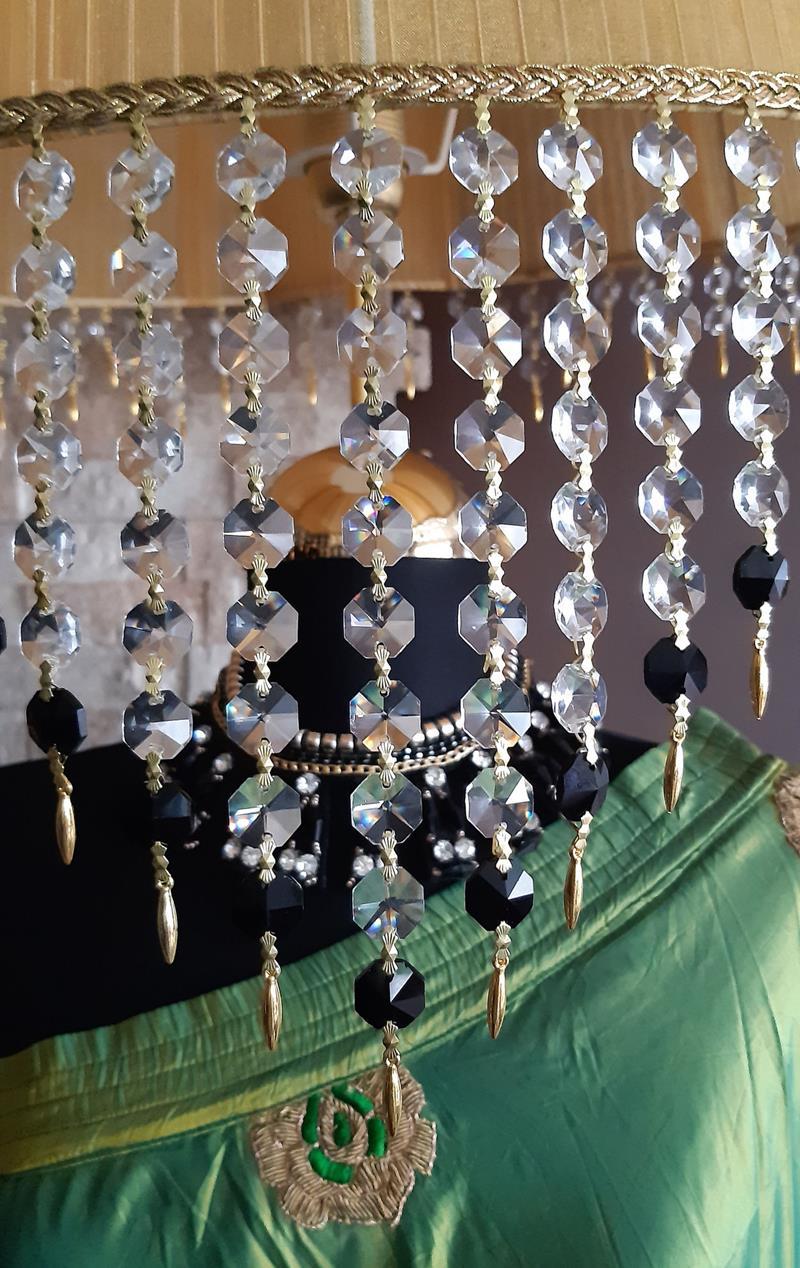 Otantik 40+ senelik el yapımı yeşil saf ipek giysili haşmetli lambader resmi