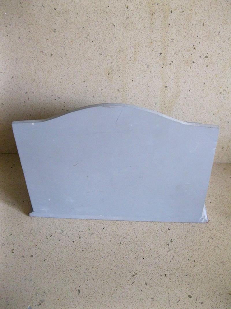 Kullanılmamış, etiketi üzerinde çok amaçlı dekoratif kutu resmi