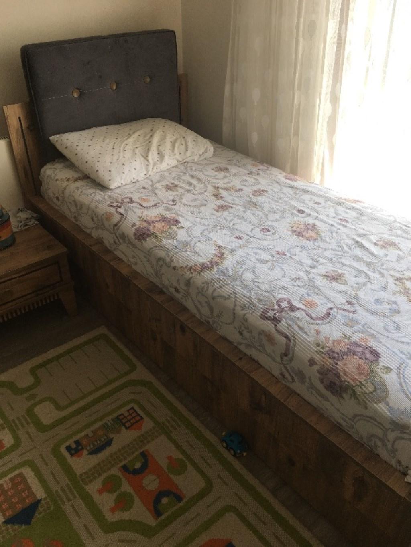 Yavru yataklı tek kişilik karyola resmi