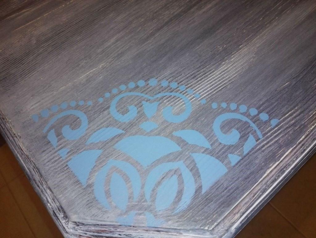 Antika Değerinde Açılır Kapanır Mandala Desenli Maviş Masa resmi