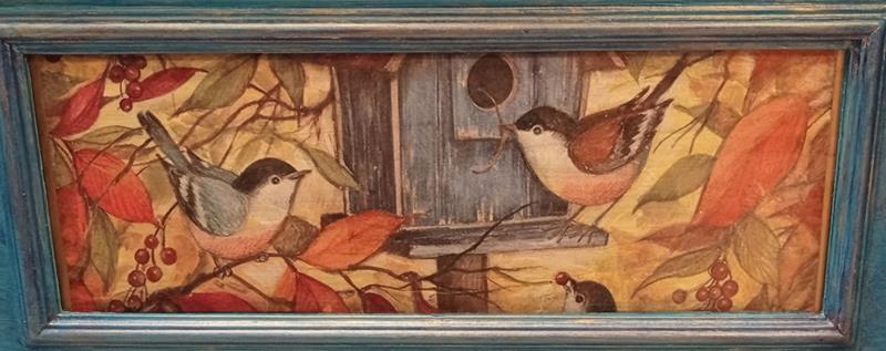 Antika turkuaz eskitme kuşlu özellikli mini tv konsol  resmi