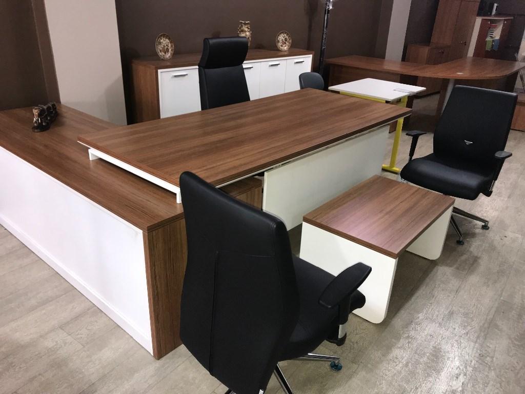 Ahsap Ofis Mobilya Takimi