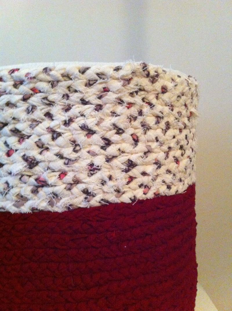 Bordo ve krem rengi örgü sepet seti (3 parça) resmi